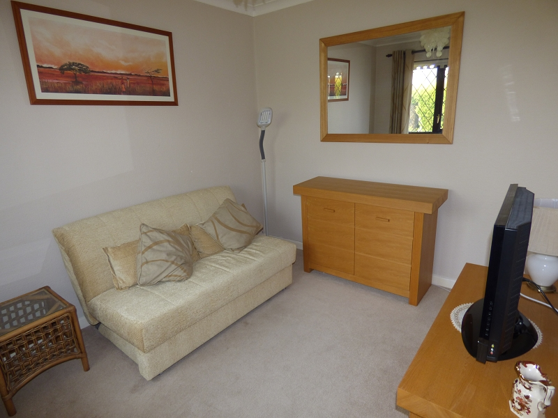 Sitting Room/Bed 4